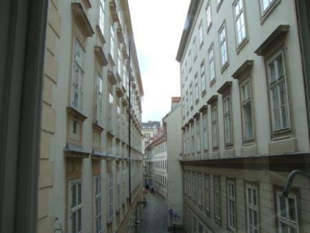 Mozart house_R.JPG